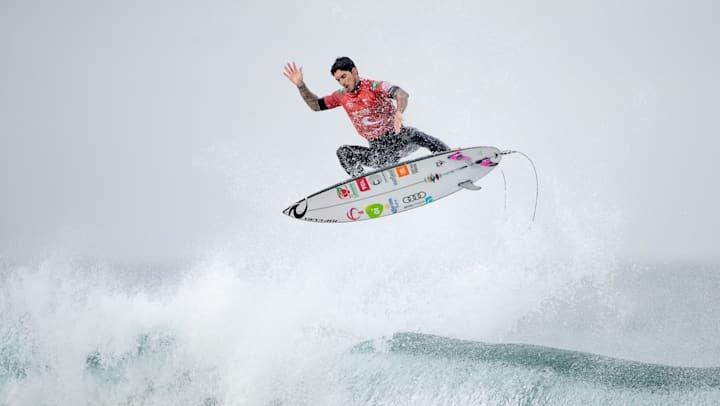 Nem um tubarão impediu o tri de Gabriel Medina no Mundial de surfe